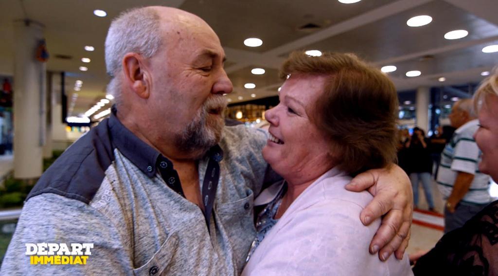 Exclu. Départ immédiat : Les retrouvailles émouvantes entre un homme et ses soeurs, séparés depuis 65 ans