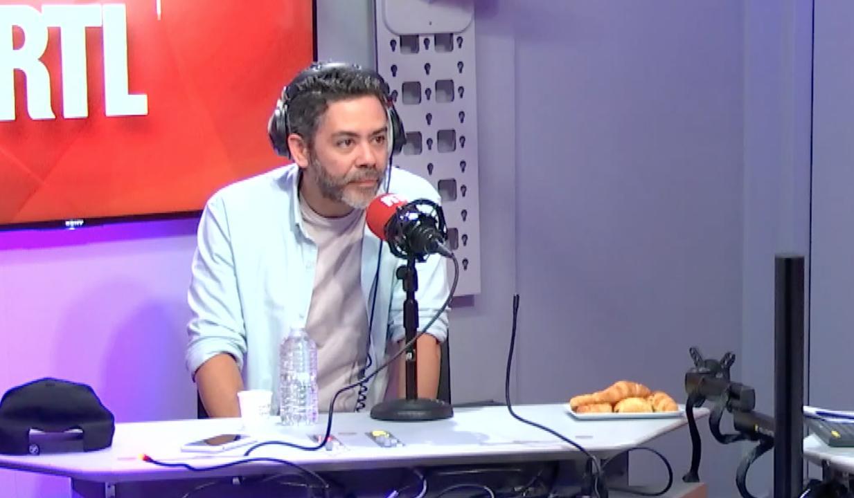 Manu Payet animateur du Burger Quiz à la place d'Alain Chabat ? Il réagit aux rumeurs dans On refait la télé